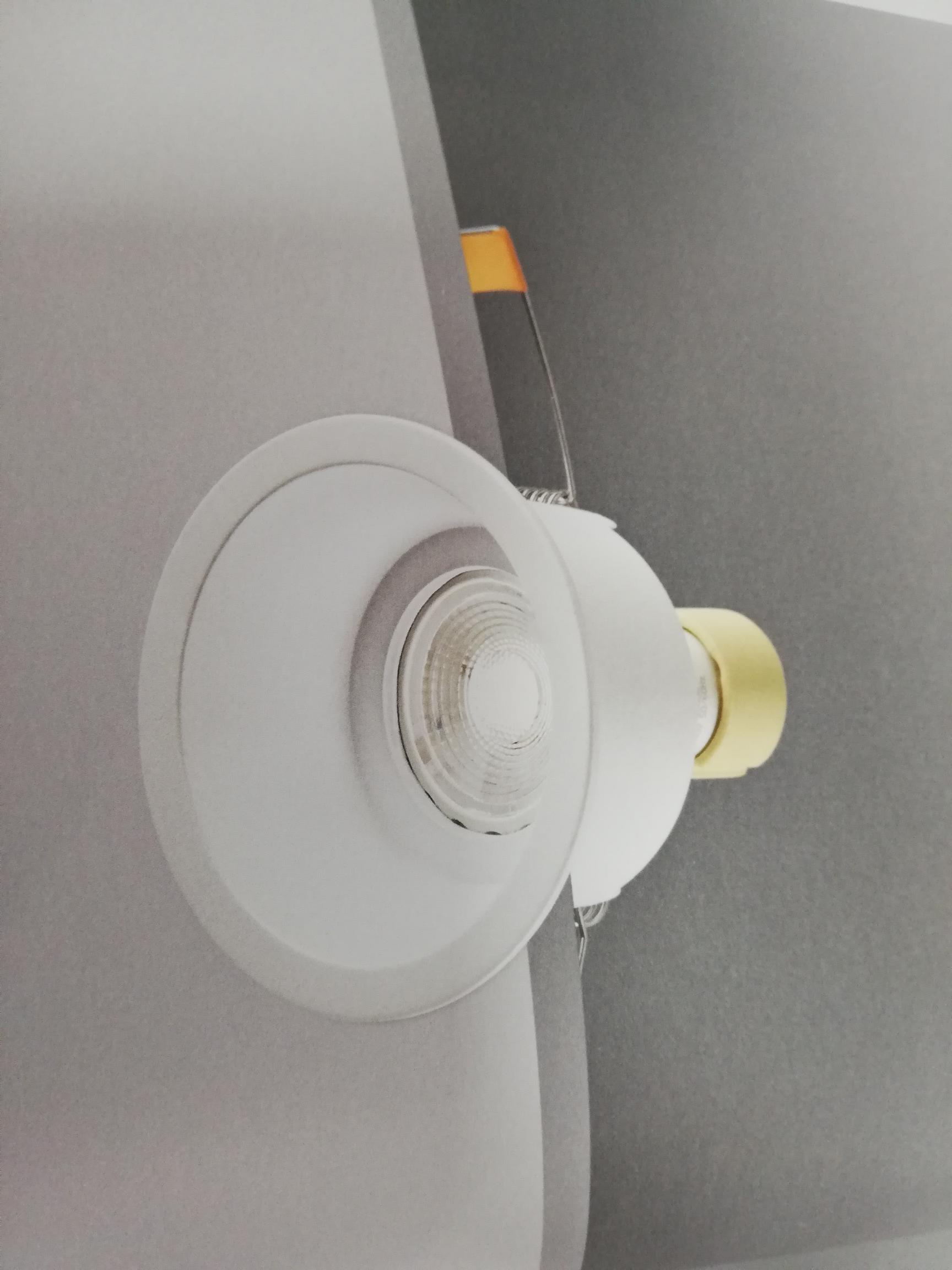 ISILUCE Faretto Simple tondo da incasso alluminio bianco attacco GU10