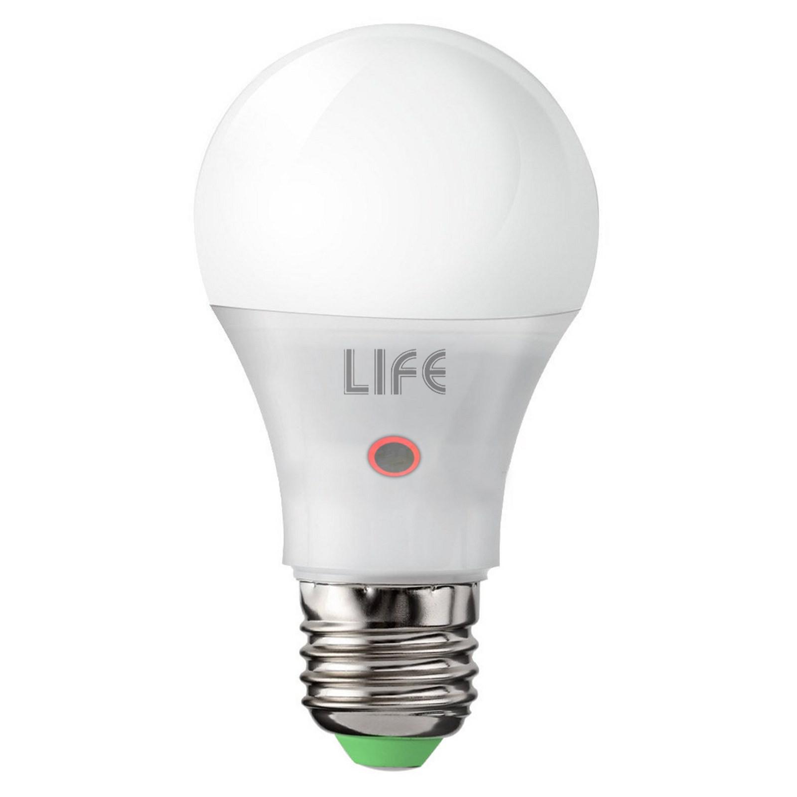 Lampada Lampadina E27 9W Luce Calda LIFE con Sensore Crepuscolare Notturno Vultech Life AMC ...